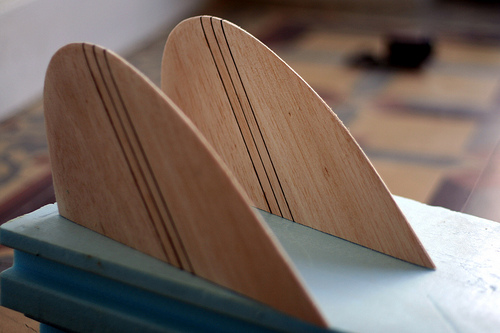 making a surfboard template - how to make mini simmons keel fins